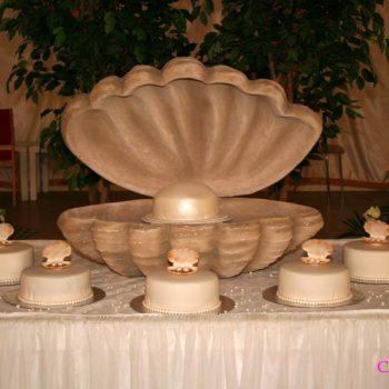Mussla för att exponera bröllopstårtor